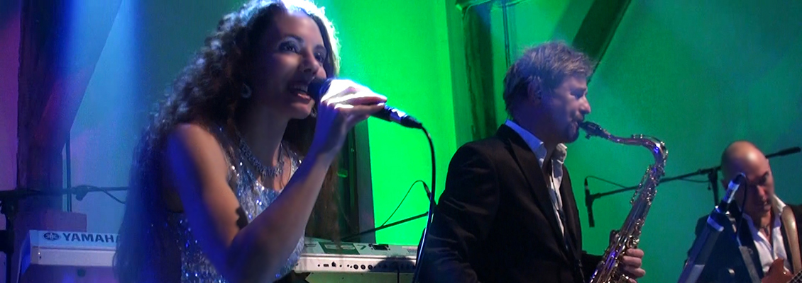 stephanie-smith-partymusik-partyband-hochzeitsband